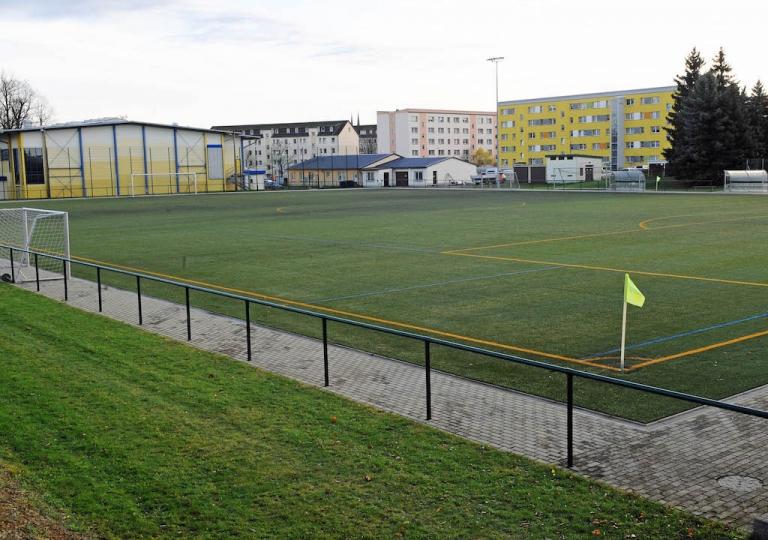 kunstrasenplatz_sporthalle_vereinsheim